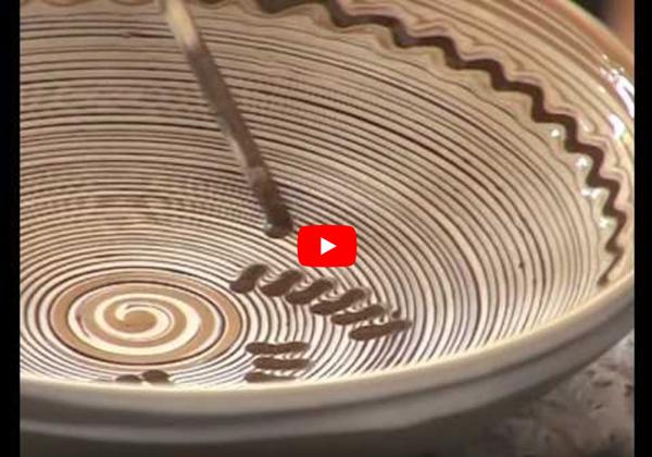démonstration technique de décor traditionnel de Horezu