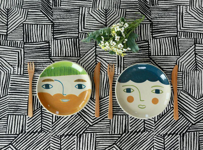 décor au pinceau d'assiettes - Donna Wilson