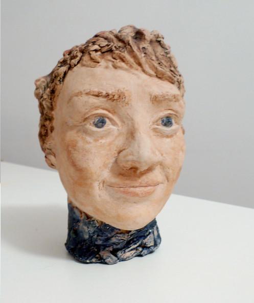 sculpture tête en argile proportionnée autoportrait